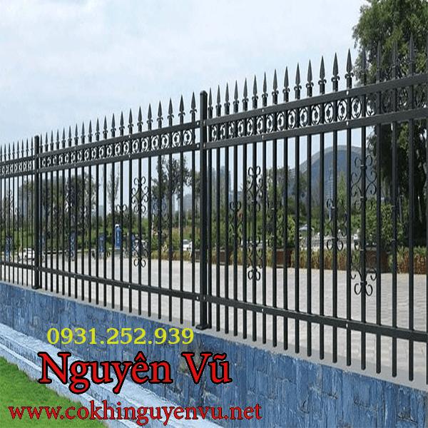 Thi công hàng rào sắt bảo vệ