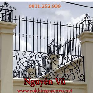 Hàng rào sắt nghệ thuật đơn giản