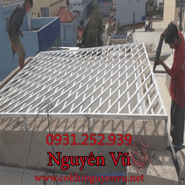 dịch vụ làm khung bảo vệ giếng trời