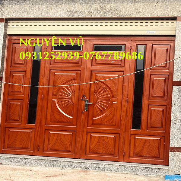 Thợ thi công làm cửa sắt giả gỗ đẹp