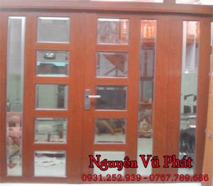 Cửa sắt kính sơn giả gỗ