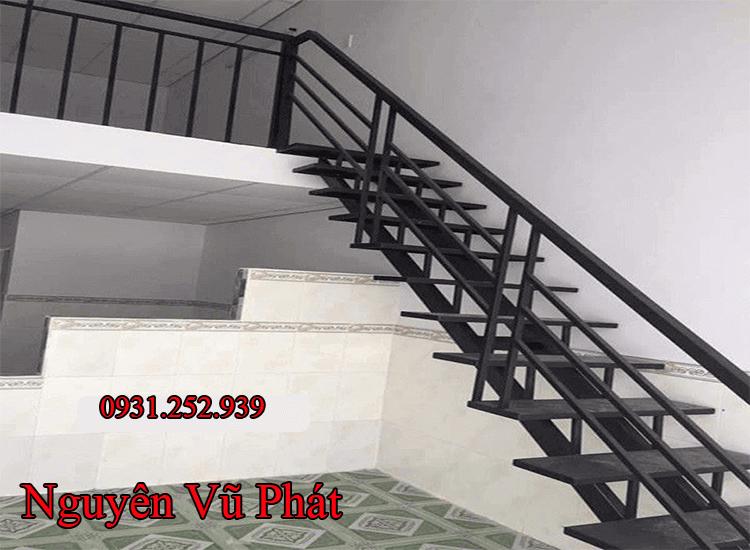 Dịch vụ làm lan can cầu thang sắt
