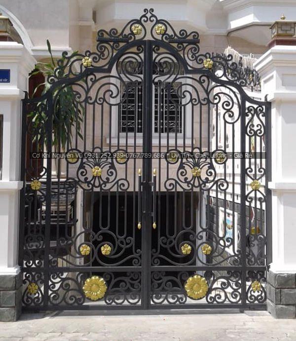 Dịch vụ làm cửa cổng sắt nghệ thuật tại Phú Nhuận