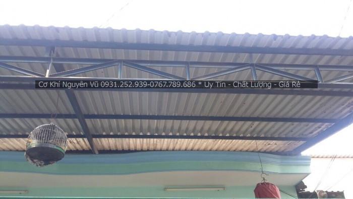 Lợp mái tôn trước hiên nhà