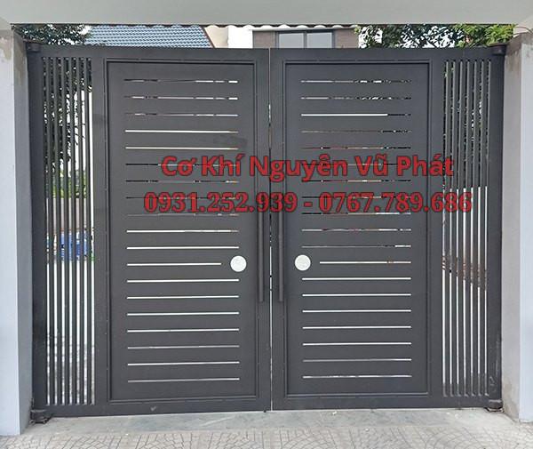 Thợ làm cửa cổng sắt giá rẻ 4 cánh
