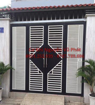 Làm cửa sắt cửa cổng sắt tại Tân Uyên