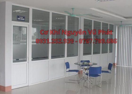 Làm vách nhôm kính văn phòng tại Thuận An