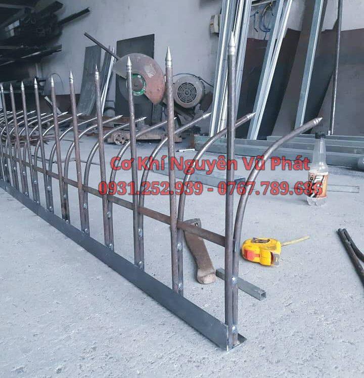 Lắp đặt hàng rào sắt chông sắt tại Tân Bình