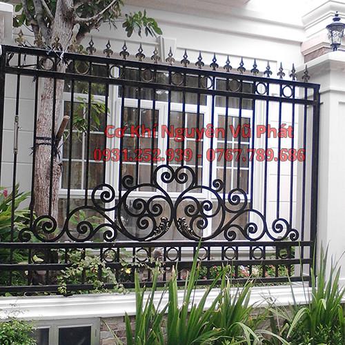 Dịch vụ làm hàng rào sắt đẹp tại Quận Tân Phú